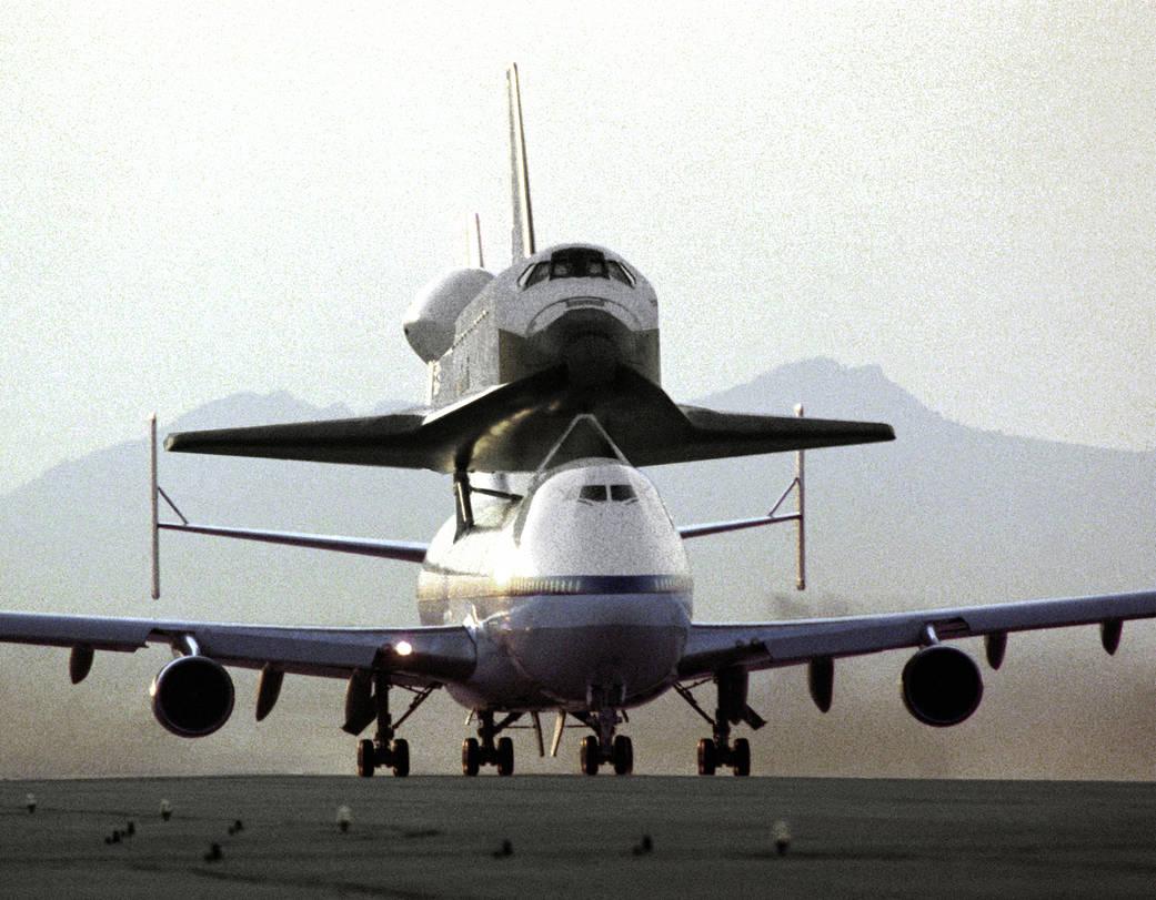 endeavor riding piggyback on a 747